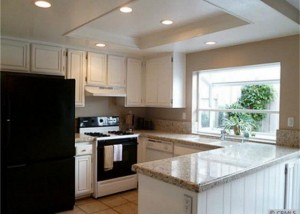 >Studio City Condos for Sale - Kitchen Photo